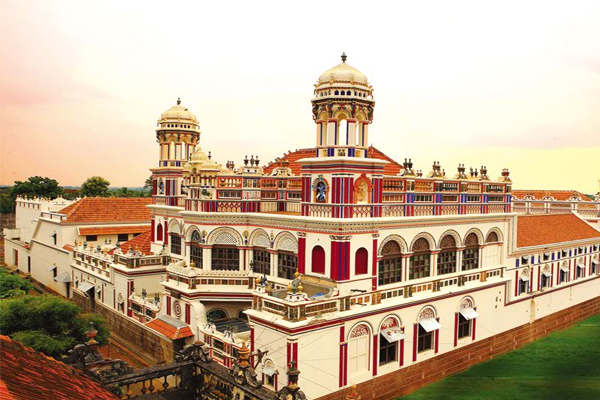 Image of palace in Chettinad