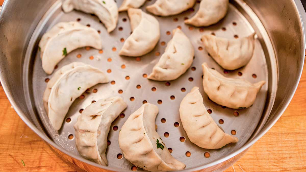 steam momos